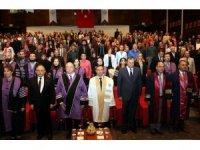 ERÜ Diş Hekimliği Fakültesi'nde 'Önlük Giyme Töreni' düzenlendi