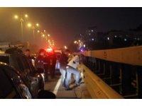 Viyadük'te intihar girişimi trafiği alt üst etti