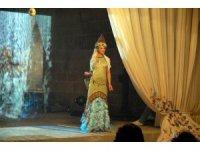 Mimar Sinan eserleri kıyafetlerde hayat buluyor