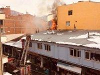 Bayburt'ta CHP İl Teşkilatının bulunduğu binada yangın