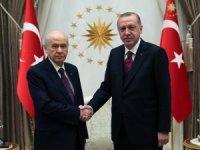 Cumhurbaşkanı Recep Tayyip Erdoğan, MHP Genel Başkanı Devlet Bahçeli ile Cumhurbaşkanlığı Külliyesi'nde bir araya geldi.