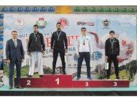 Büyükşehirli karatecilerden 5 madalya