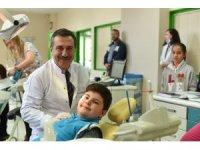 Başkan Ataç Diş Hekimleri Günü'nü kutladı