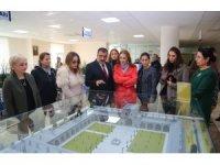 Bakan Mehmet Ersoy'un eşi Pervin Ersoy Battalgazi'yi gezdi