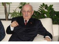 """Eski TBMM Başkanı Kahraman: """"15 Temmuz Türkiye'nin varlığına kast eden bir hareketti"""""""