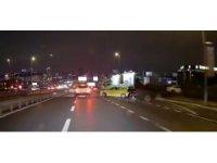 E-5 Karayolu'nda ilginç motosiklet kazası kamerada