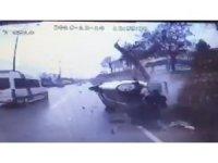 3 kişinin yaralandığı kazanın görüntüleri ortaya çıktı