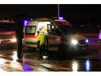 Virajda savrulan ticari araç yan yattı: 5 yaralı