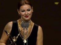 Pınar Altuğ eleştirilere sert çıktı