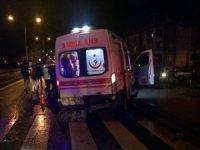 Ambulansla otomobil çarpıştı:1 yaralı