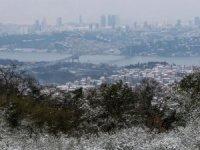 İstanbul'a kar yağışı başladı..