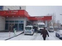 Eleşkirt'te trafik kazası: 23 yaralı