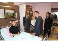 Ağrı Milli Eğitim Müdürü Tekin, kaza geçiren öğretmenleri ziyaret etti