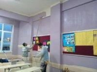 Körfez'de okullara 3 milyon TL'lik bakım onarım desteği