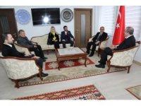 Vali Toraman, Belediye Başkan adayları Kutlu ve Işık'a başarı diledi