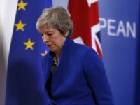 Theresa May'den kritik karar!