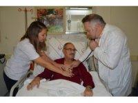 50 yıldır sigara içen kanser hastası operasyonla sağlığına kavuştu