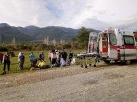 Otomobil Traktöre Çarptı, Yaya Öldü