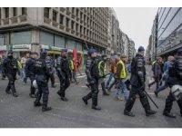Brüksel'de Sarı Yelekliler protestosuna polis engeli
