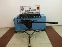 Hakkari kırsalında Dokça makineli tüfek ele geçirildi