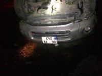Otomobil Toprak Yığınına Çarptı: 1 Yaralı
