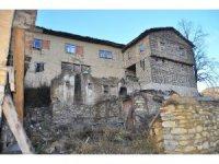 Yüzlerce yıllık kerpiç evleriyle görenleri etkileyen köy