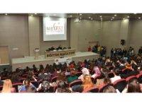 """MEÜ'de """"İpek Ongun ile Gençlik Edebiyatı"""" etkinliği"""