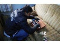 Bekar evine uyuşturucu baskını: 2 gözaltı