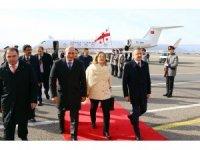 Gürcistan'ın ilk kadın Devlet Başkanı Zurabişvili yemin etti