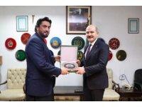 İçişleri Bakanı Soylu, Pakistan Başbakanı İmran Khan ile görüştü