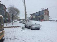 Bingöl'ün ilçelerinde kar yağışı etkili olmaya başladı