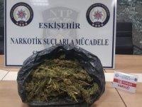 Eskişehir Narkotim uyuşturucu satıcılarına şok baskın
