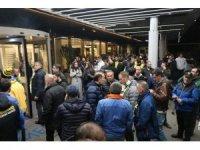 Tribünden düşen Fenerbahçeli için taraftarlar hastaneye akın etti