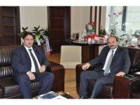 ETB Başkanı Hakan Oral'dan,  ETÜ Rektörü Çakmak'a hayırlı olsun ziyareti