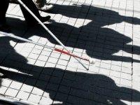 Görme engelli kadına ehliyet verildi