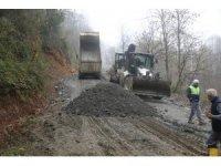 Sapanca Belediye ekipleri stabilize yol çalışmasına devam ediyor