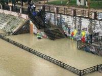 Asi Nehri'nde su seviyesi yükseldi