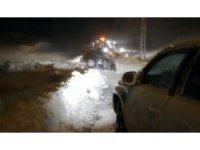 UMKE ve 112 ekiplerinin karla mücadelesi