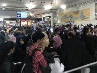 Atatürk Havalimanı'nda yılbaşı yoğunluğu