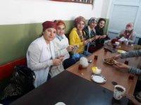 Beytüşşebaplı kadınlar Mehmetçik için ördü