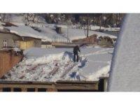 Beytüşşebap'ta karla mücadele çalışmaları sürüyor