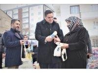 İpekyolu Belediyesi bez torba dağıttı