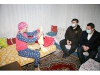 Kanser hastası genç kıza Fenerbahçe forması