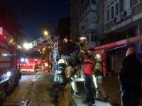 15 Cezayirlinin yaşadığı evde korkutan yangın