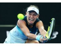 Wozniacki ve Federer ikinci turda zorlanmadı