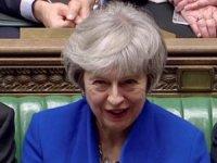Theresa May hükümeti güvenoyu almayı başardı