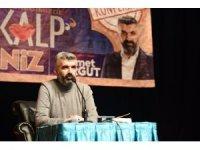 """Çorumlu hayranları ile buluşan yazar Turgut: """"Kalp aklın, sevginin ve vicdanın meşrebidir"""""""