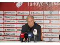"""Mustafa Denizli: """"İki ayaklı maçların her zaman riski vardır"""""""
