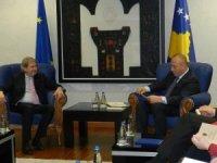 AB'nin Kosova'ya baskısı artıyor