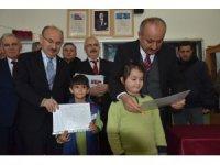 Kastamonu'da öğrenciler karnelerini aldı